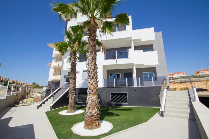 Modern apartments for sale with large terraces in villamartin