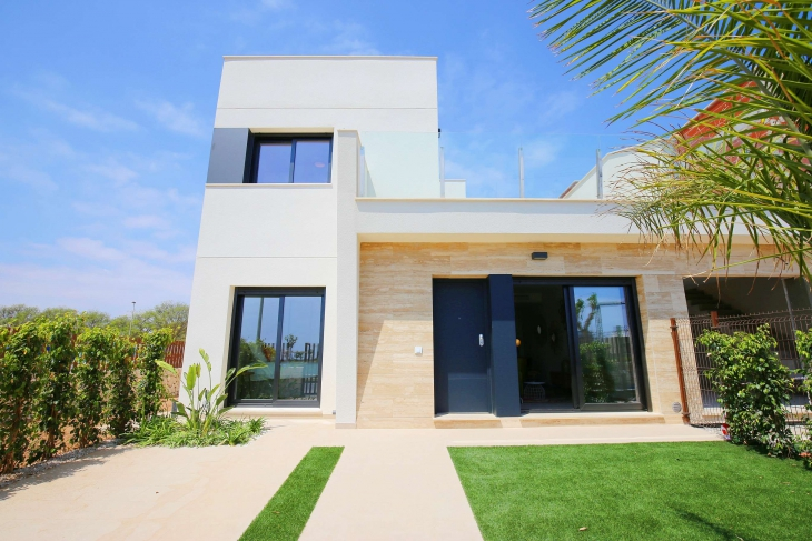 Modern villa at 300 metres from the beach Torre de la Horadada