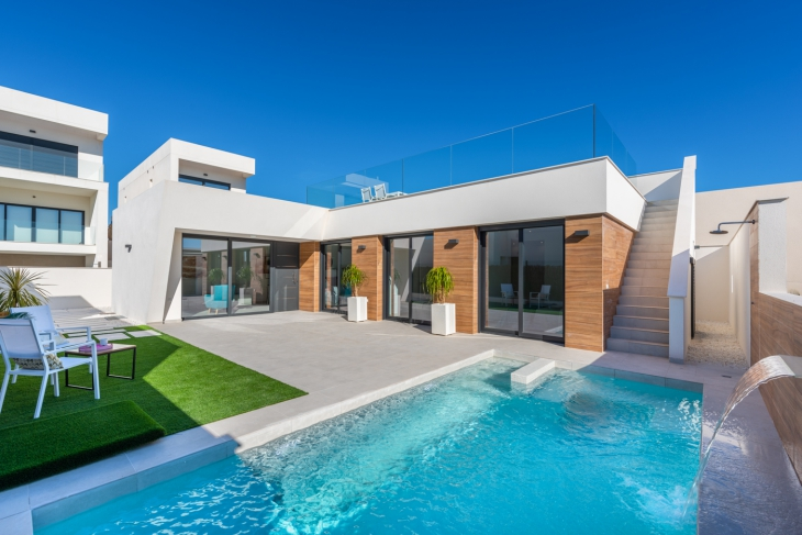 Modern villa with private pool for sale
